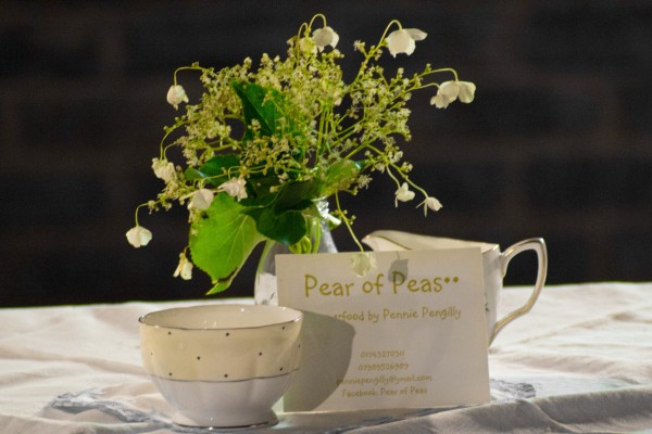 pear of peas flowers milk jug and sugar bowl vintage tea parties