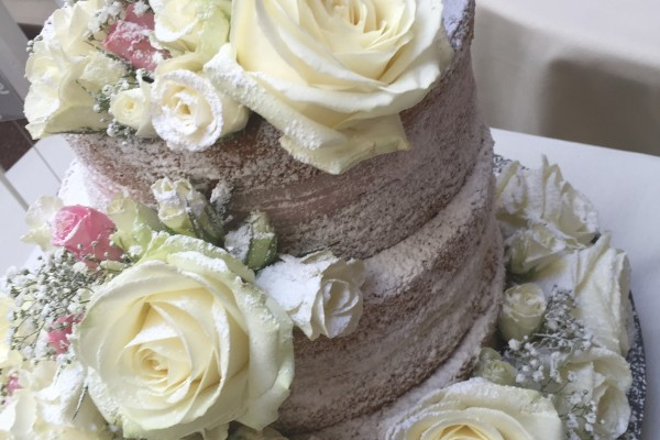 naked wedding cake cake table roses